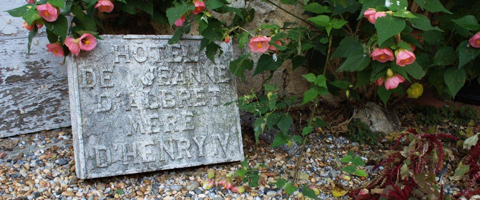 Plaque indiquant la maison de Jeanne d'Albret