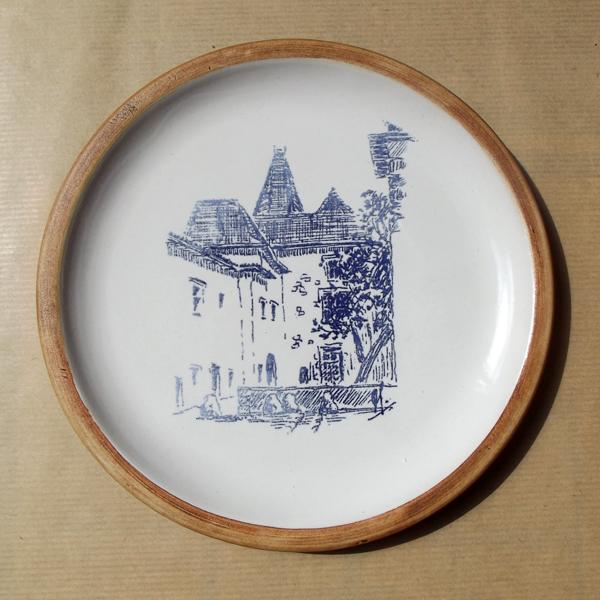Assiette décorative en grès Musée Jeanne d'Albret Orthez
